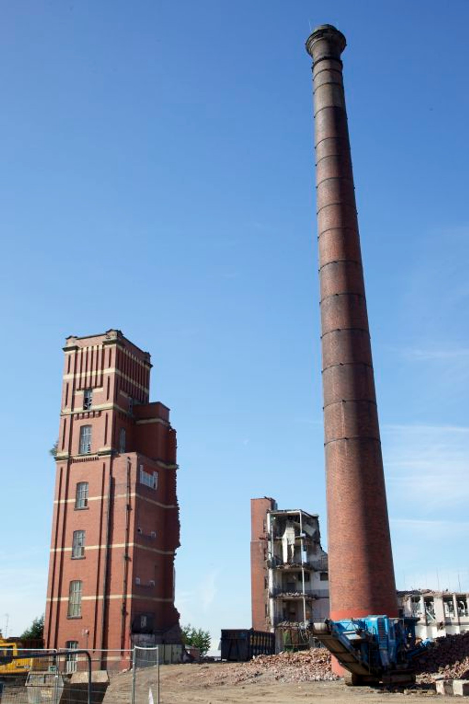 Demolition of Oldham Twist Mill (1883), September 2013.