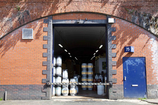 Beer Nouveau micro-brewery in a railway arch on Temperance Street