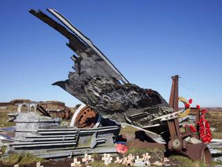 Wreckage of an aircraft, Higher Shelf Stones