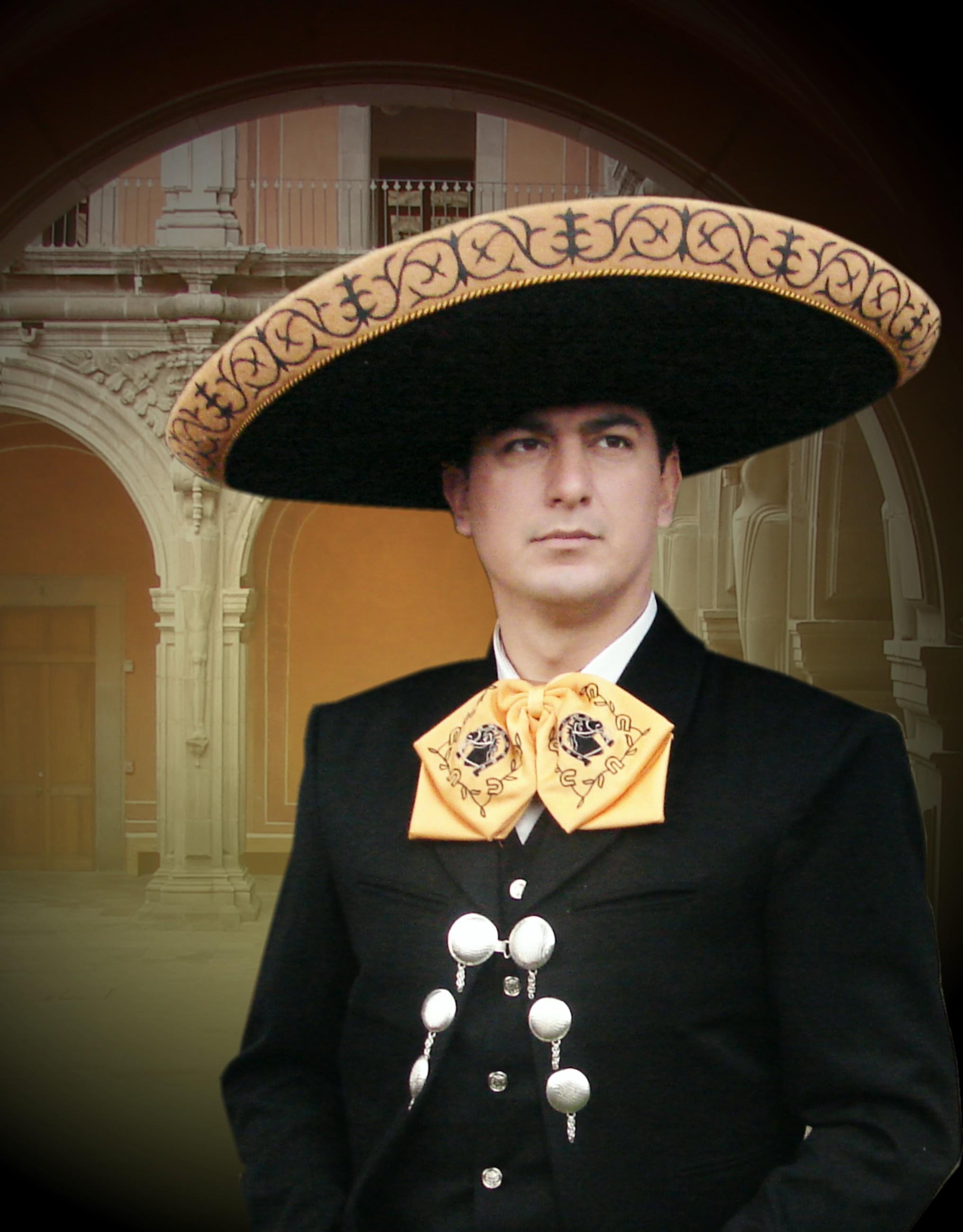 Carlos Sánchez 3