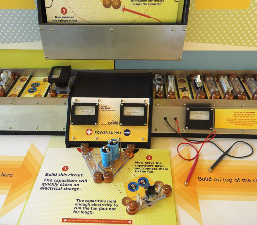 Electric Circuits by CW Shaw Inc