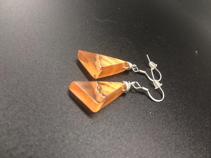 Boucles d'oreilles en Olivier et résine orange
