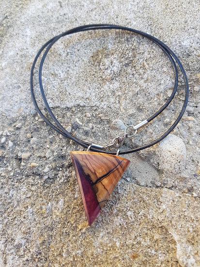 Collier en bois d'olivier et résine violette