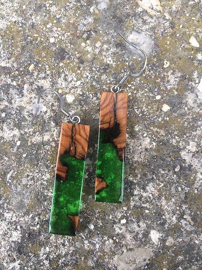 Boucles d'oreilles rectangle en bois d'Olivier et résine verte