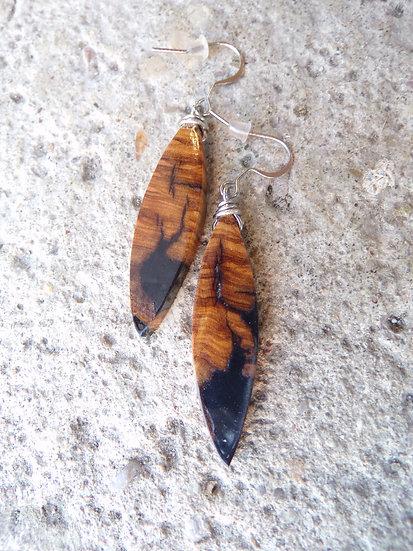 boucles d'oreilles bois d'olivier et résine noir