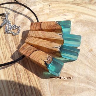 collier en bois d'olivier sur COMMANDE