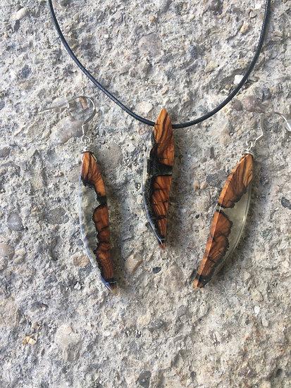 Parure colliers et boucles d'oreilles en bois d'Olivier et résine transparente