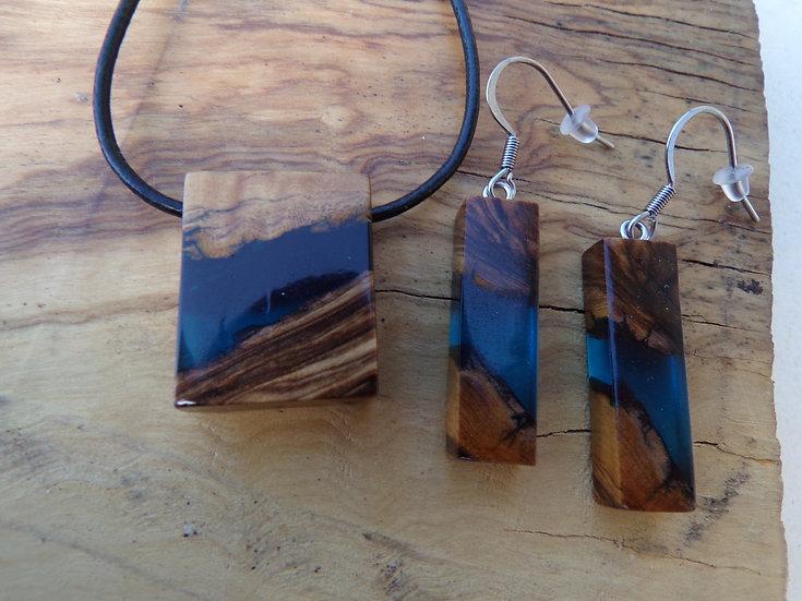 parure en bois d'olivier et en résine couleur bleu nuit