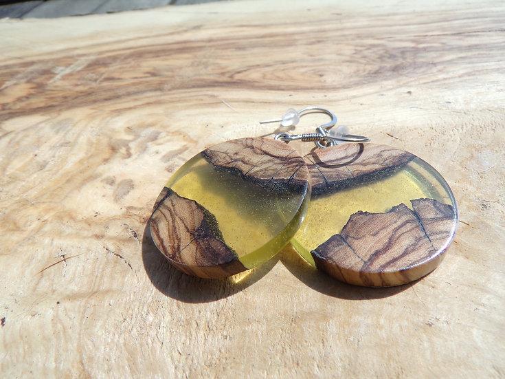 boucles d'oreilles en résine jaune et bois d'olivier