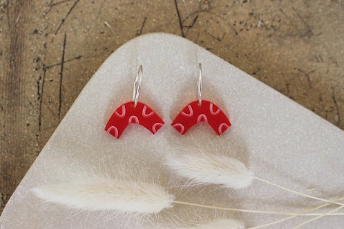 Curve Earrings - Red