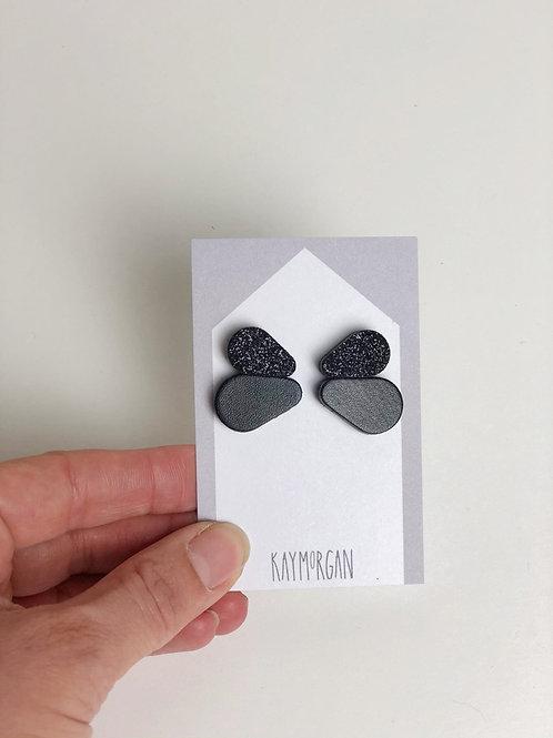 Double Scallop Earring studs - Black glitter/black