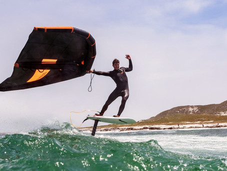 WINGFOILING IN SMALL WAVES