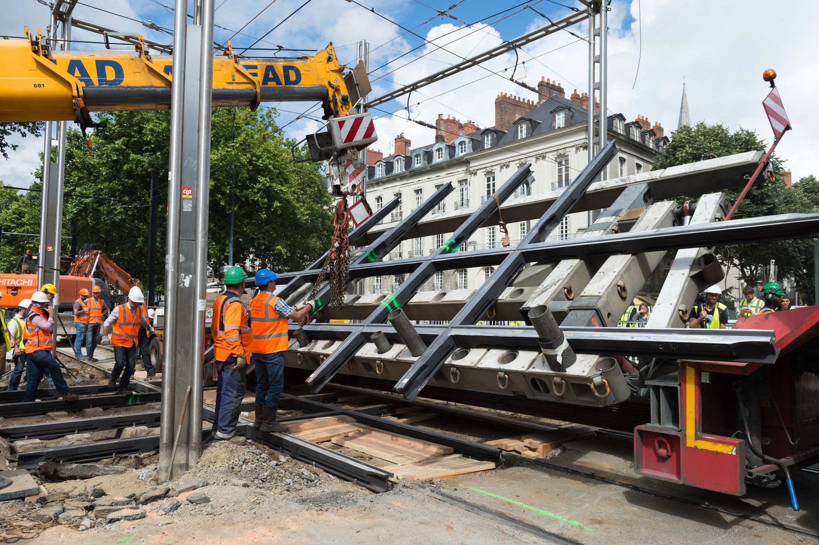 Pose du nouvel échangeur des lignes de tramway