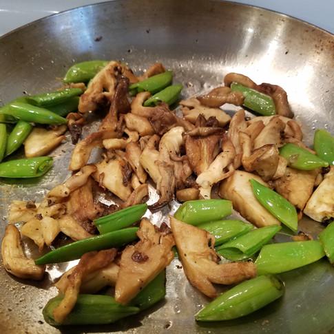 Simple Blue Oyster Mushroom Snap Pea Stir-fry