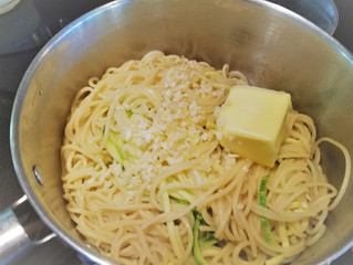 Drain the pasta zoodles thoroughly and then stir in the butter, garlic and lemon juice