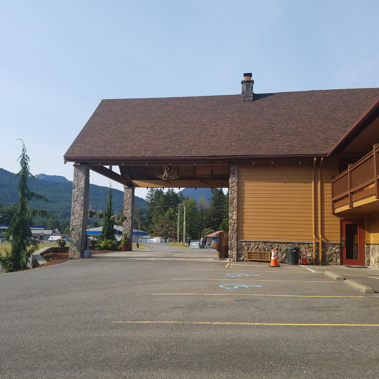 Cowlitz River Lodge