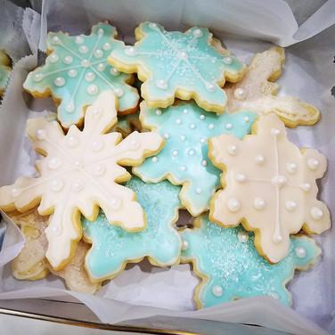 Sparkling Snowflake Cookies