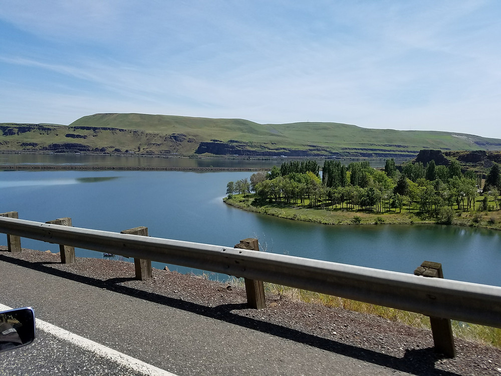 Columbia River, Horsethief Lake and Columbia Hills State Park
