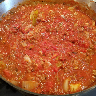 After simmering for 30 minutes it's ready to serve!