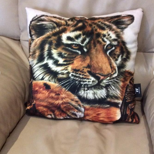 Tiger Vegan Friendly Cushion