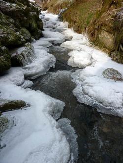 Der Übelbach im Winter