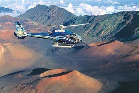 helicopter flight from hawaii's big isla