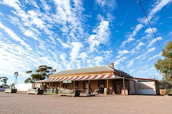 prairie_hotel_parachilna_outback_pub.jpg