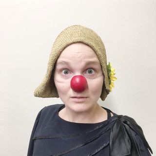 5_MetaWORKSHOP_HolyClown_Flora_clown_tea