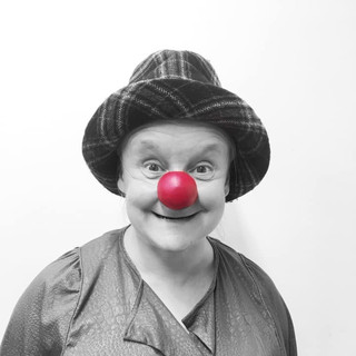 4_MetaWORKSHOP_HolyClown_Petra_clown_tea