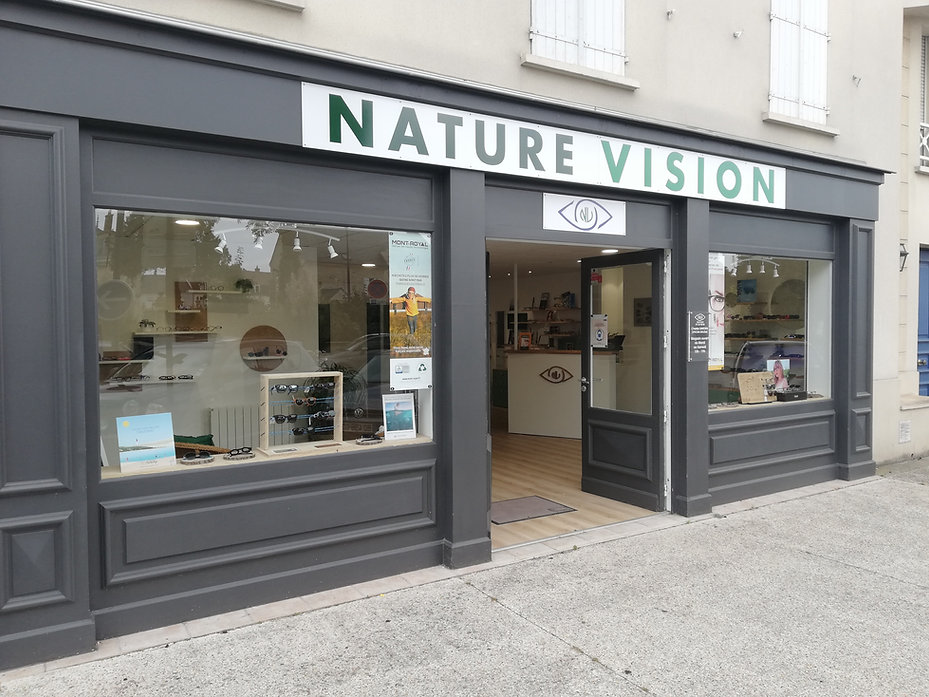 devanture magasin lunettes nature vision