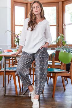 ikat-relaxed-crop-trouser--KX1026-Grey-4