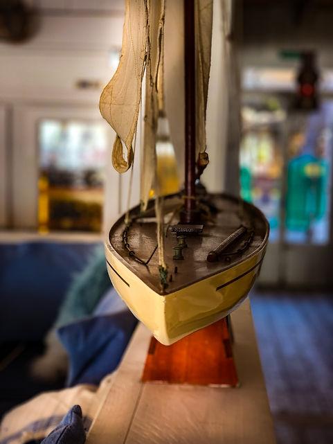 beachhouse-segelboot1.jpg, fincamallorca, mallorca urlaub, beachhouse mallorca, cala pi urlaub, mallorca beach, cassai restaurant