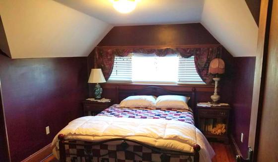 Rhode Island Red Bedroom