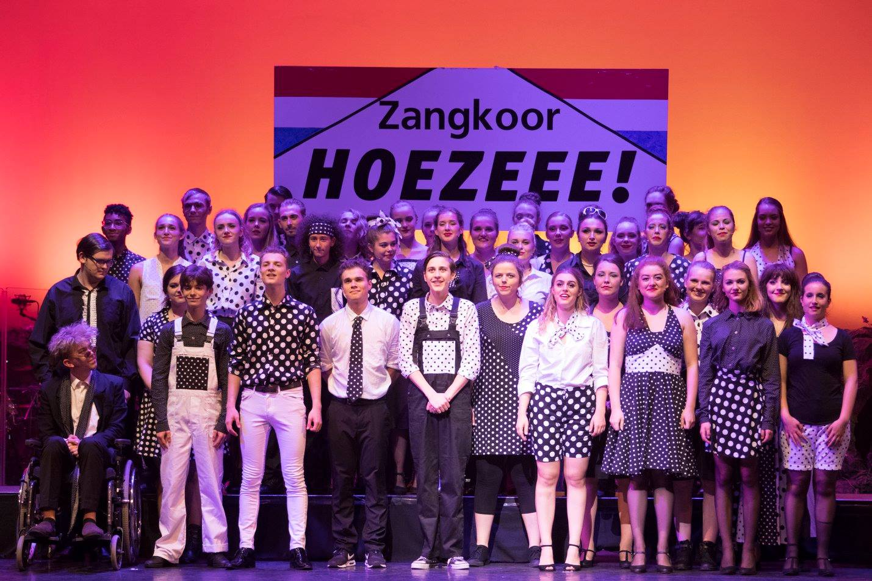 Zangkoor Hoezeee!