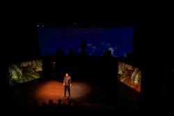 Video mapping met 1 projector en 3 schermen