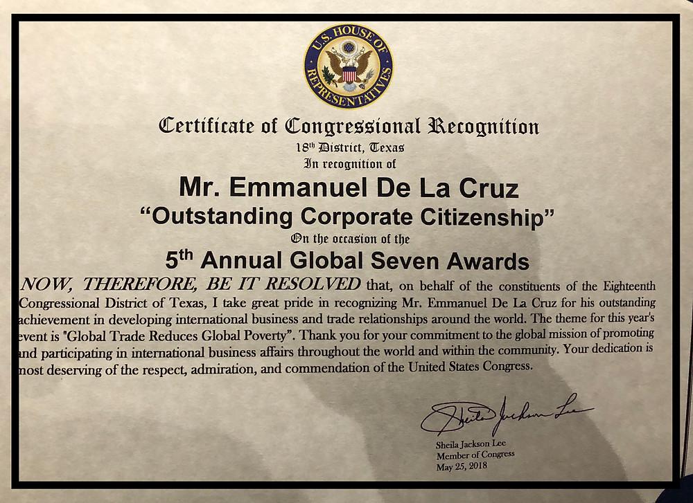 Houston Plastic Surgeon Dr. Emmanuel De La Cruz receiving the Global 7 International Award.