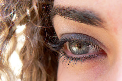 Longer Eyelashes with Latisse? Is It Safe during Pregnancy?