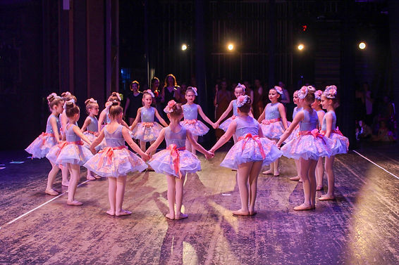 ballet circle.jpeg