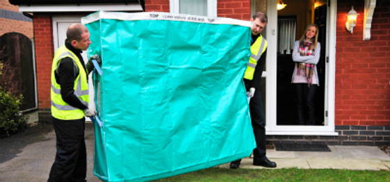 Moving Solutions Removals And Storage Company In Cheltenham Gloucester Use Heavy Duty Mattress Covers