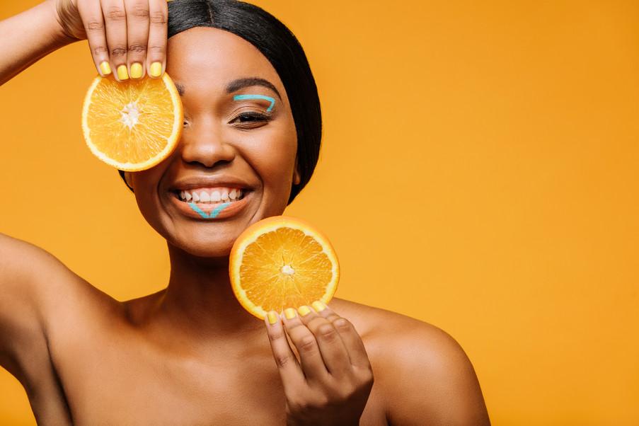 Conheça as 10 vitaminas essenciais para você ter uma pele saudável e bonita