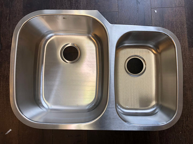 "U3021L - 29.5""X20.75""X8"" Stainless Steel Double Bowl Undermount Sink"