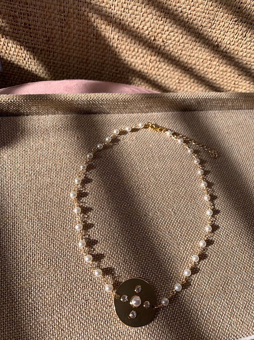 Wire Wrapped Faux Pearl and Circle Pendant Choker/Necklace