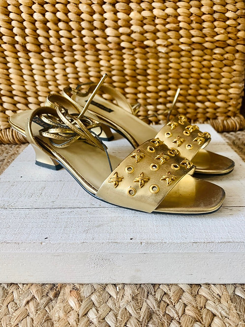 XOXO Vintage Gold Ankle Wrap Heeled Sandals | Size 10