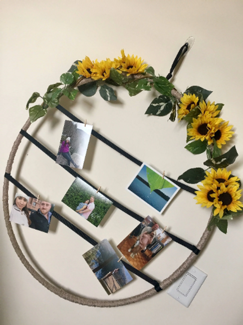Sunflower circle picture hanging (28 inches)