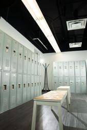 gym lockers 2