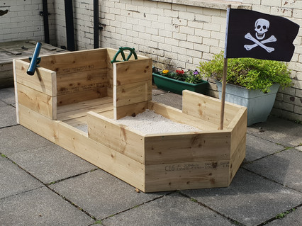 Bespoke kids play structures