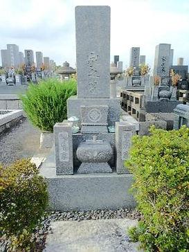 名古屋市 八事 極楽苑 法名の追加彫り 彫刻文字模様の色直し 施工前.jpg