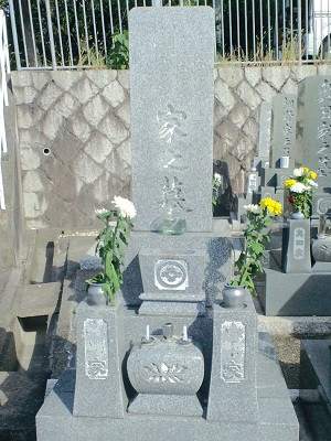 墓石クリーニング施工前