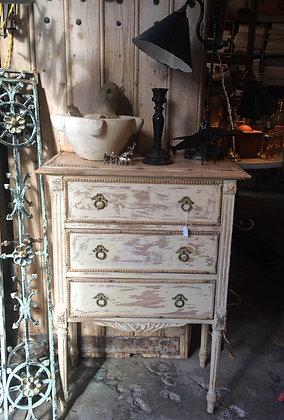 Petite commode style Louis XVI 3 tiroirs