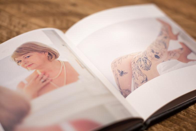 Momento book